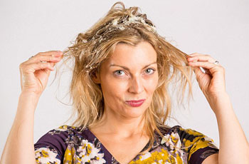 Луковые маски для волос, советы от неприятного запаха, домашние рецепты для укрепления, роста и от выпадения волос