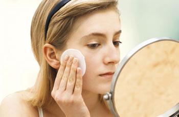 Очищение увядающей кожи лица после сорока лет