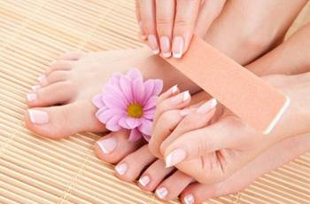 Уход за ногтями в домашних условиях, 20 рецептов для укрепления питания и лечения ногтей