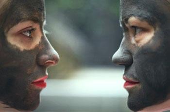 Маска для очищения кожи лица из черной глины