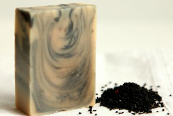 Самодельное мыло с семенами тмина