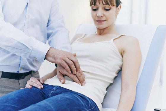 Предварительная пальпация для уточнения диагноза
