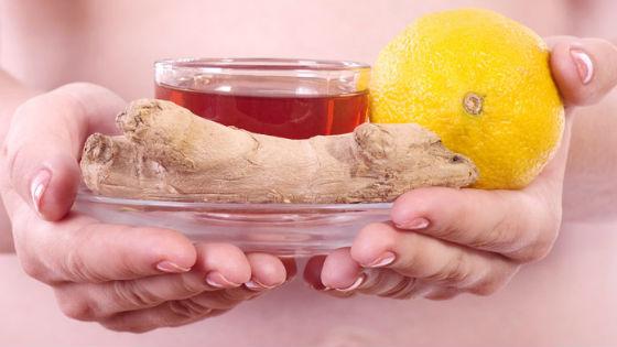 Имбирный чай с лимоном и медом для лечения простудных заболеваний