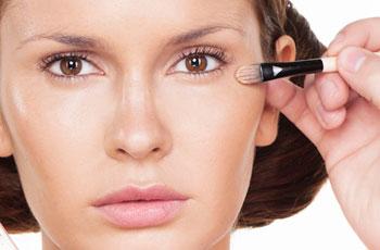 Как правильно пользоваться консилерами для создания красивого макияжа