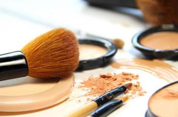 какая глина лучше всего для сухой кожи лица