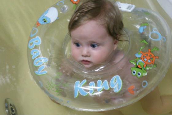 Круг для шеи используют с месяца жизни ребенка