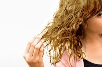 Как увеличить густоту волос с помощью народных средств