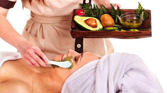 Салонные процедуры с применением авокадовых масок