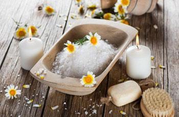 Морская соль для волос, применение для укрепления и роста волос, рецепты скрабов и масок