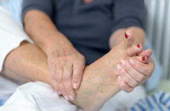 Уход за телом :: Мозоль на пятке: лечение в зависимости от вида медикаментами и народными средствами