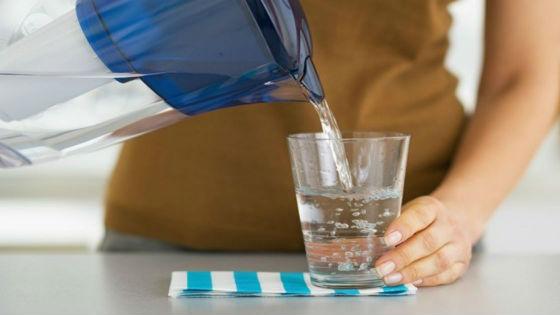 Для выведения воды из организма важно правильно организовать питьевой режим