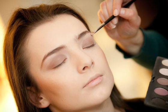 Подбирать тени необходимо в зависимости от оттенка глаз