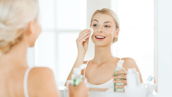 Перед любой косметической процедурой важно тщательно очистить лицо