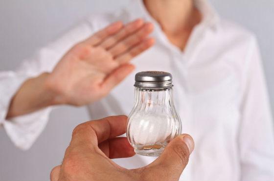 Соль является главным виновником задержки воды в тканях