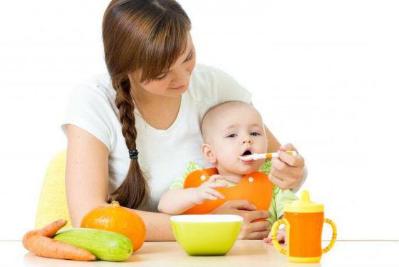Введение прикорма из овощей строго отслеживается родителями