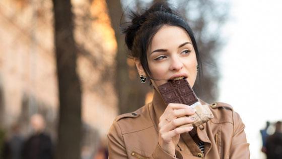 Плитка горького шоколада способен восстановить силы