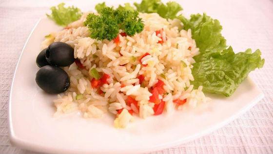 Рис с овощами как основное блюдо системы питания Китая