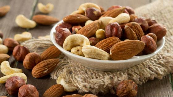 Полезные жиры, содержащиеся в орехах