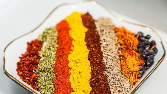 Специи и приправы, которыми разрешено заменить соль
