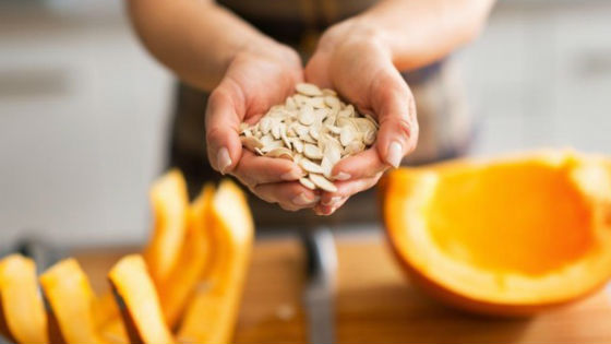 Высушенные семена тыквы убирают на хранение