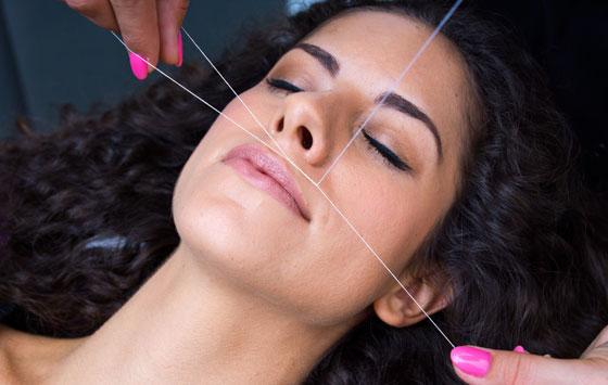 Убрать волосы над губой у женщин