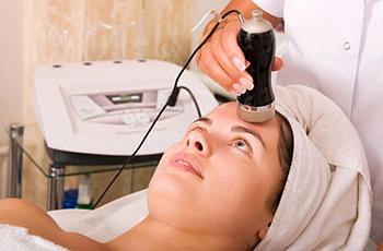 Показания к чистке лица для проблемной кожи