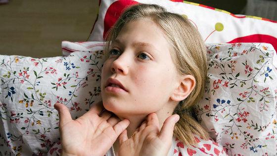 Увеличение шейных лимфоузлов как один из симптомов ангины