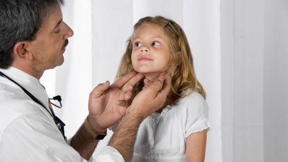 При аденовирусе происходит воспаление и увеличение лимфоузлов