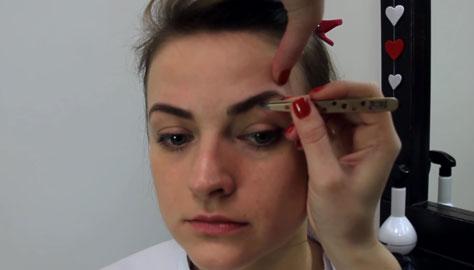 Как быстро выщипать брови
