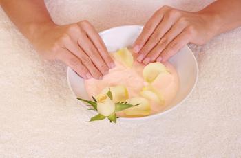 Заусенцы на пальцах, причины появления, удаление, лечение, профилактика